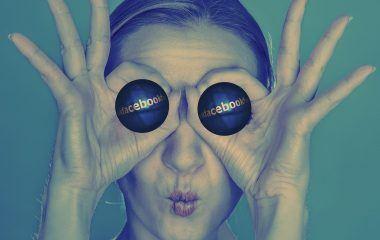 jak znaleźć pracę na facebooku